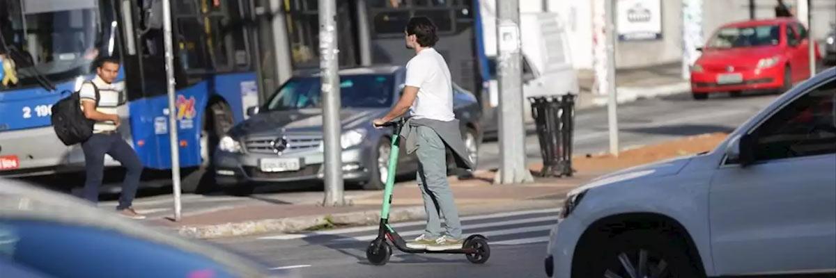 Wat zijn de verkeersregels voor een elektrische step?